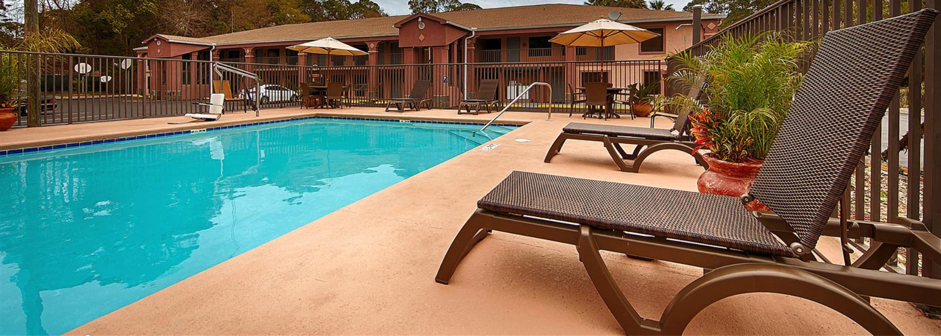 Best Western Pool in Apalachicola